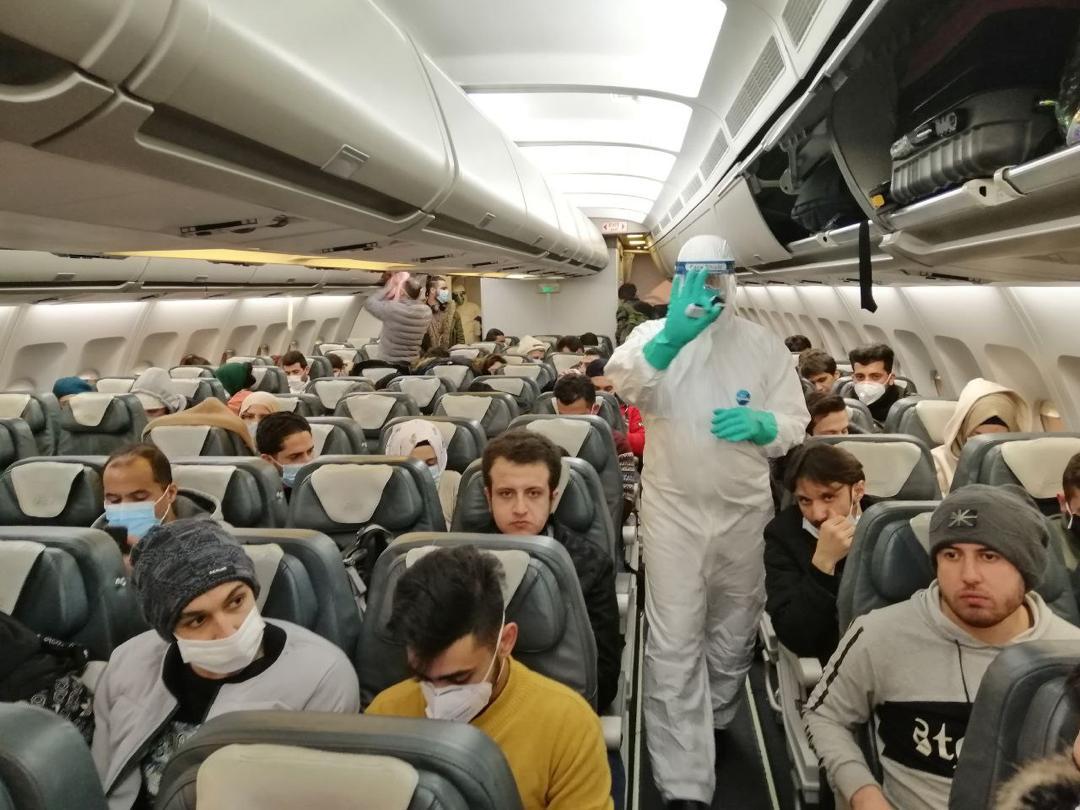 دانشجویان ایرانی در حال بازگشت از چین