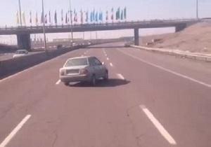 حرکات دیوانهوار و خطرناک پراید در جاده