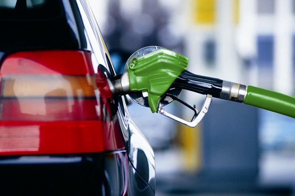 بنزین زدن