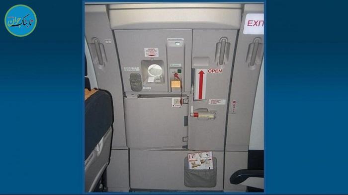 مسافری که اشتباهی خروجی اضطراری هواپیما را باز کرد