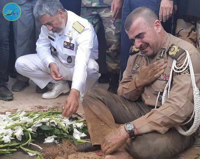 بی قراری فرمانده ارتشی در تدفین دو شهید گمنام +فیلم