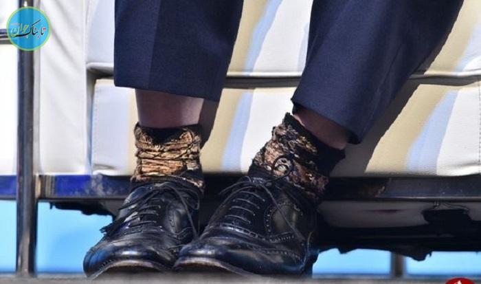 بسته خبری : ماجرای جورابهای پشت و روی آقای سیاستمدار