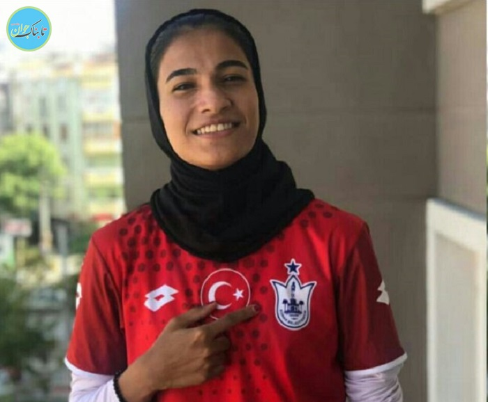 دختر فوتبالیست