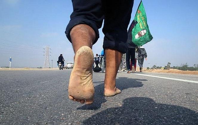 پیاده روی اربعین با پای برهنه