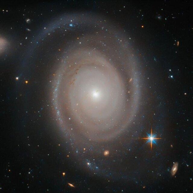 تصویر دیدنی ناسا از زندگی گروهی کهکشان ها