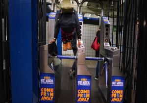 فرهنگ بالای استفاده از مترو در آمریکا و استرالیا!