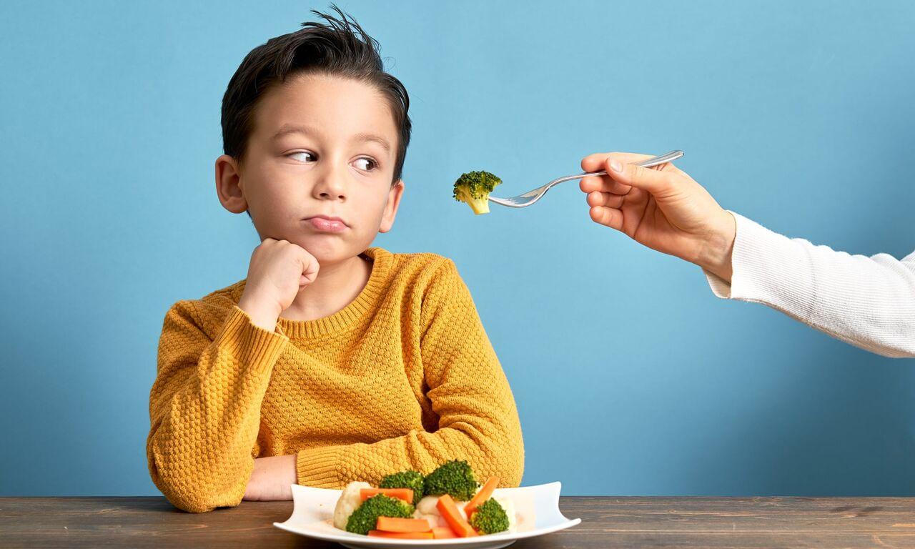 خوردن سبریجات در کودکان