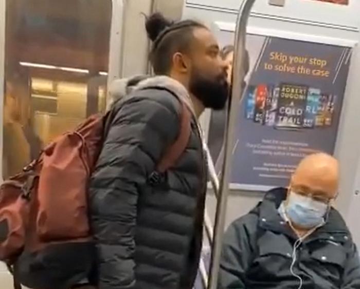 لیسیدن مترو