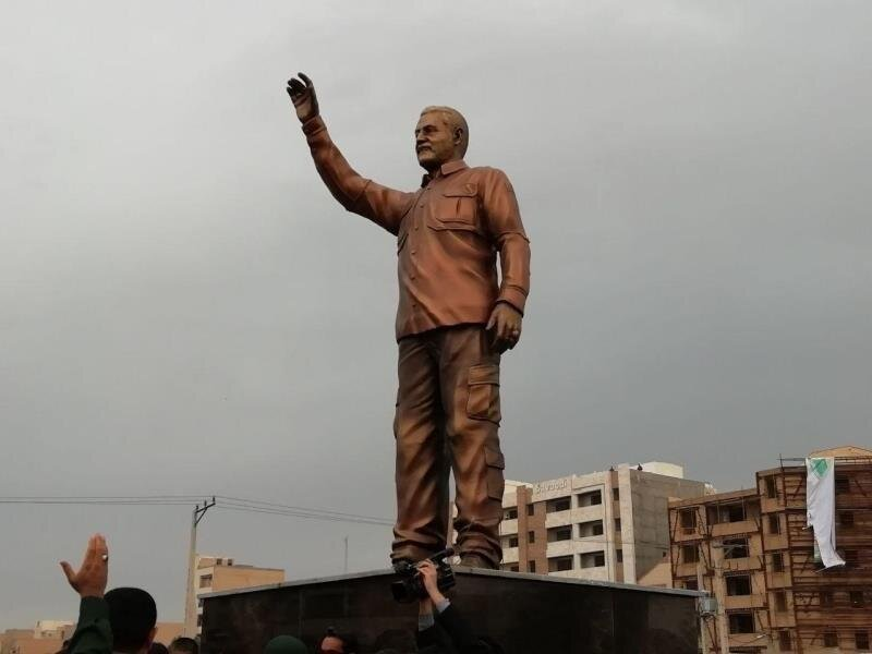 مجسمه شهید سردار سلیمانی
