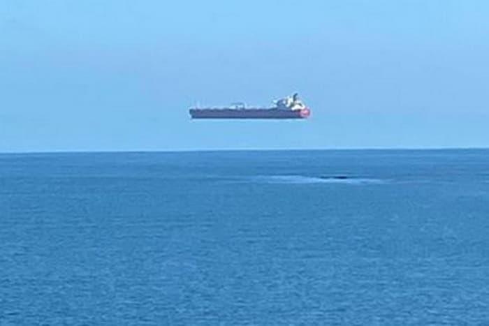کشتی معلق