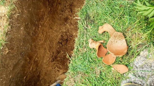 کشف سرباز اشکانی هنگام دفن فوتی کرونا! + تصاویر