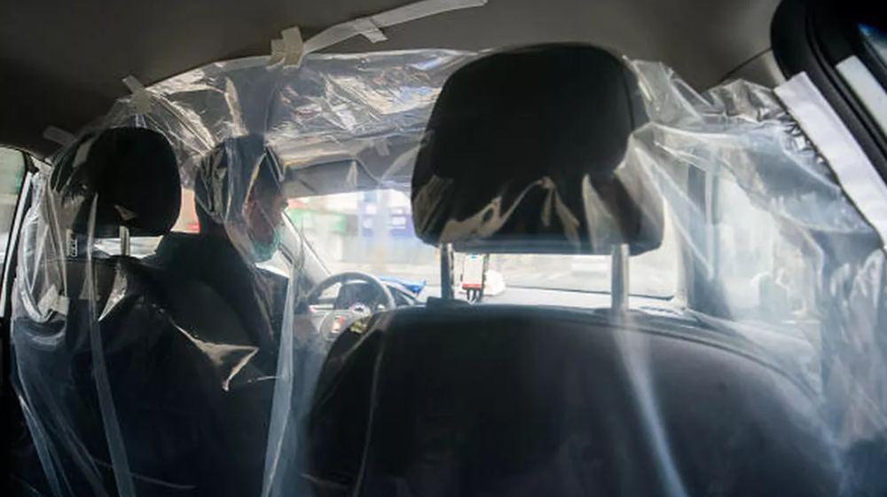 اقدام بهداشتی یک تاکسی