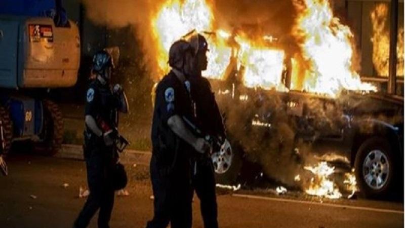 همکاری نیروهای لباس شخصی در بازداشت معترضین آمریکایی