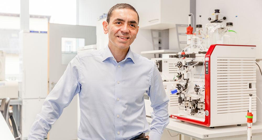 سازنده واکسن فایزر برنده جایزه ایرانی در سال گذشته