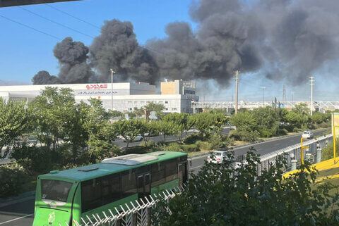 آتش سوزی در کارخانه بهنوش