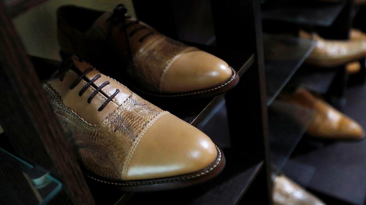 کفش های ساخته شده از پوست پای مرغ