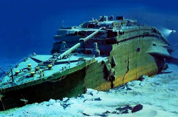 بقایای کشتی تایتانیک