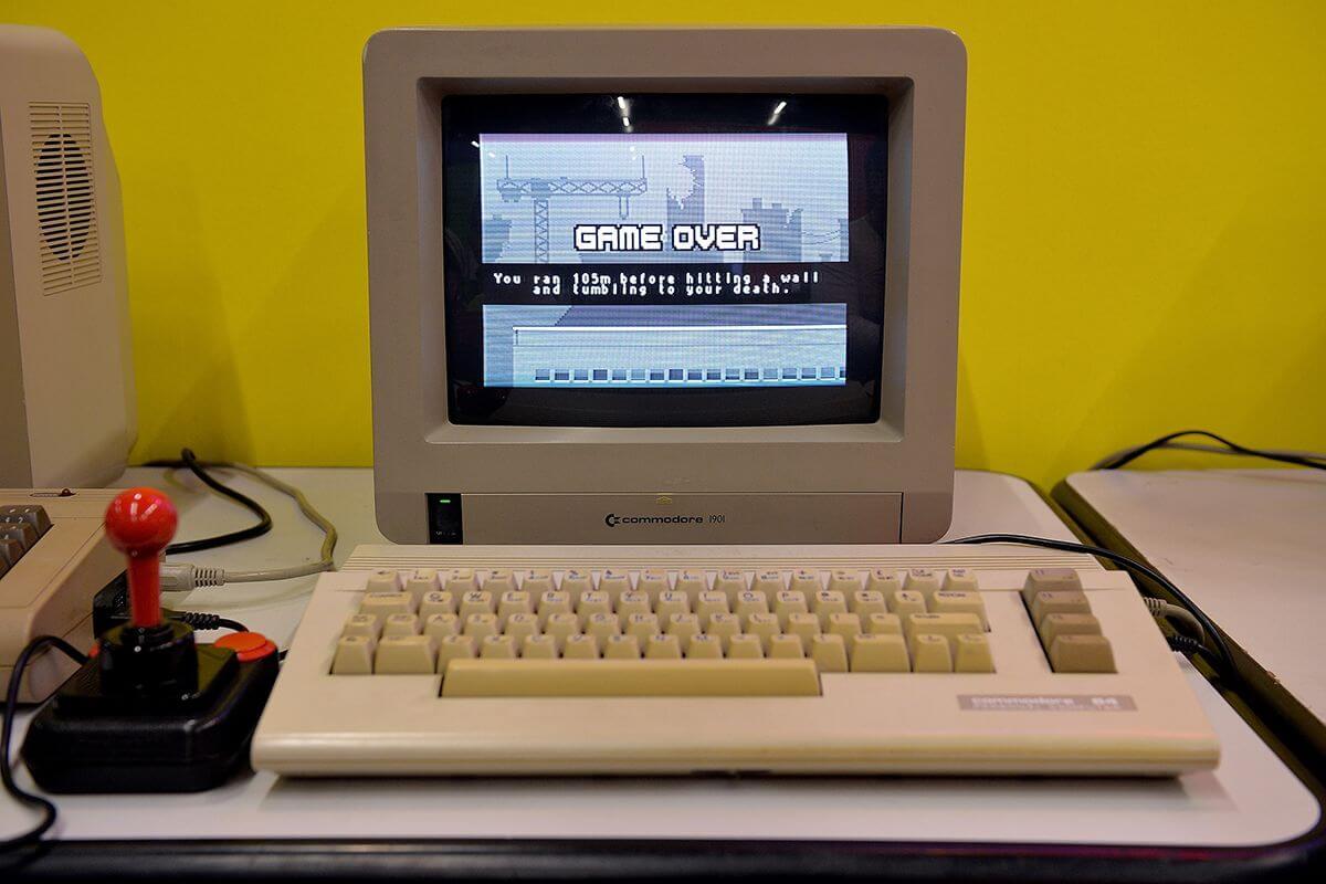 کامپیوتر شخصی قدیمی